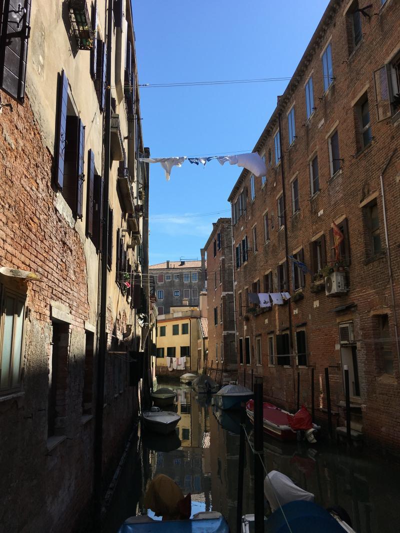 adventures of a gluten free globetrekker Venice washing line