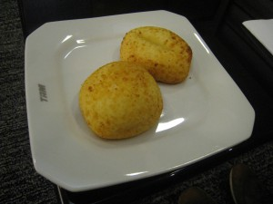 adventures of a gluten free globetrekker Pão de queijo: Naturally Gluten Free Brazillian Cheese Bread Brazil Gluten Free Travel International Gluten Free Vegetarian
